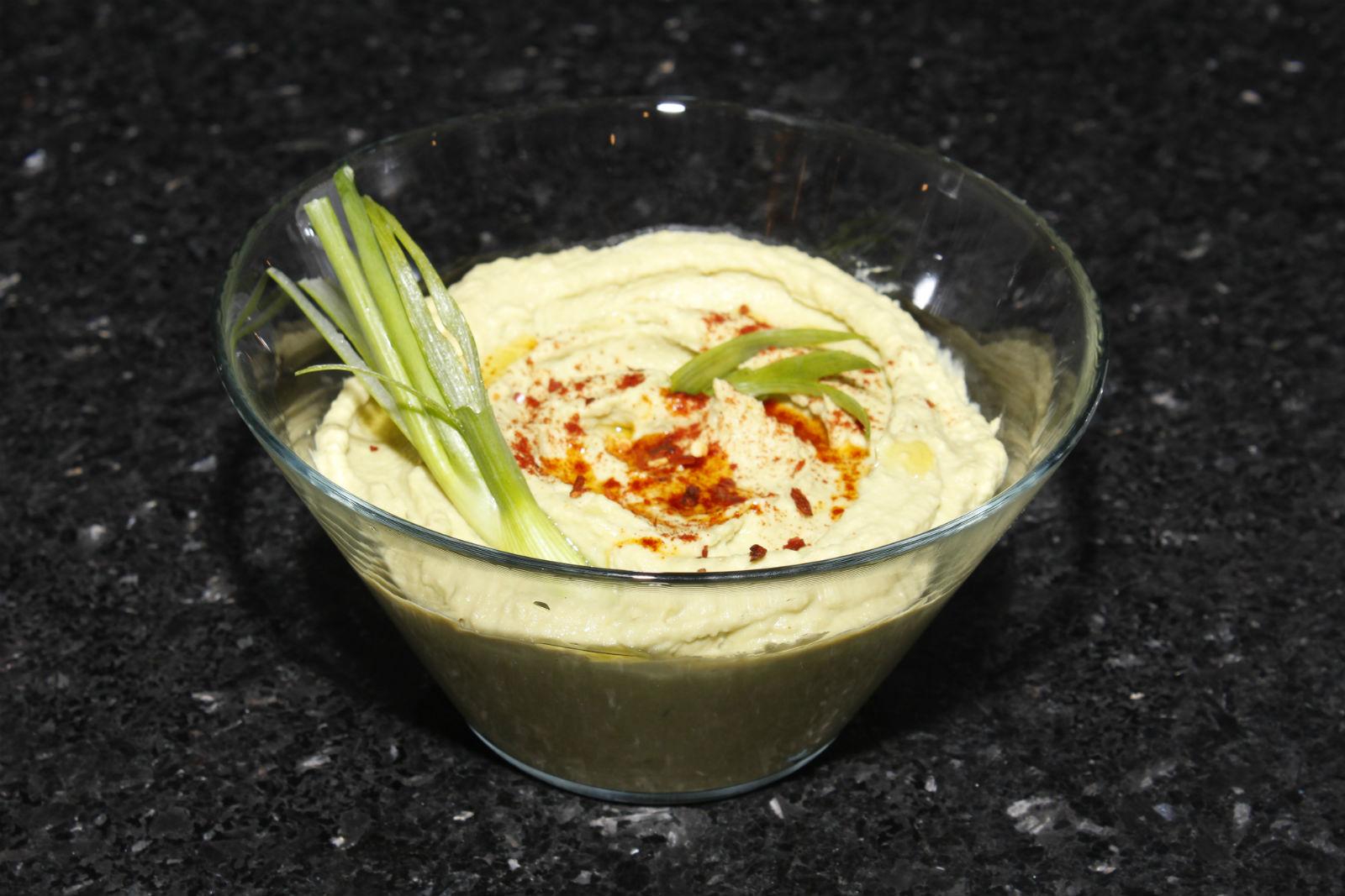 Avocado Hummus (aka Guacahummus, or the most unappealing ...